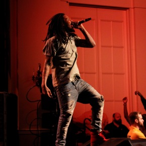 Waka Flocka ignites crowd at concert